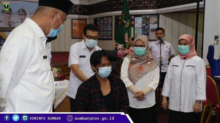 Ratusan Jurnalis di Sumatera Barat Terima Vaksinasi Covid-19, Gubernur Mahyeldi: Aman dan Halal