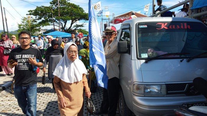 KISAH 3 Lansia Hadiri Kampanye Prabowo Subianto di Padang, Saya Datang Tandanya Saya Mencintai