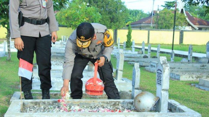 Rangkaian Peringatan Hari Bhayangkara ke-74 di Sumbar, Ziarah ke Makam Pahlawan hingga Donor Darah