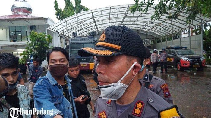 Demo UU Cipta Kerja di Padang Sempat Ruruh, Kapolresta Singgung Peran Anak SMK dan Massa Bayaran