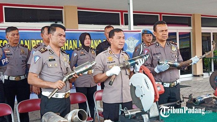 168 Knalpot Racing Hasil Sitaan Satlantas Polresta Padang Dimusnahkan
