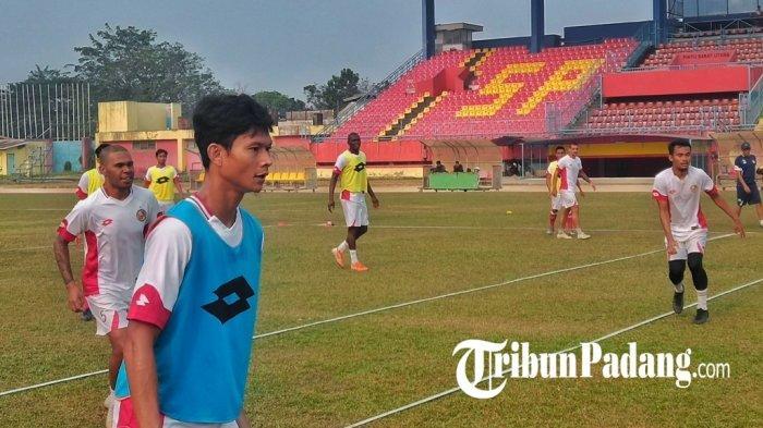 SUPERSKOR - Kapten Semen Padang Dipanggil Timnas Hadapi Malaysia| AC Milan Tak Kunjung Bangkit