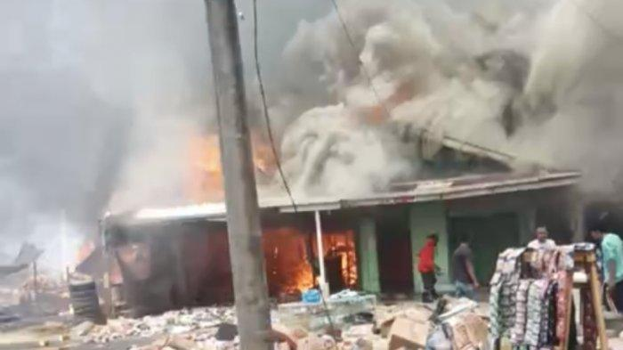 Kebakaran di Pesisir Selatan Hanguskan 3 Rumah dan 1 Toko Grosir, Warga Tak Berani Mendekat
