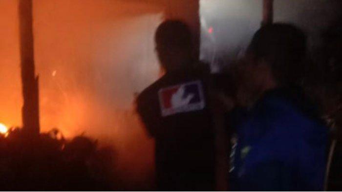 Kebakaran di Nagari Baruah Gunuang Kab 50 Kota, Warung Kelontong dan Rumah Kayu Hangus