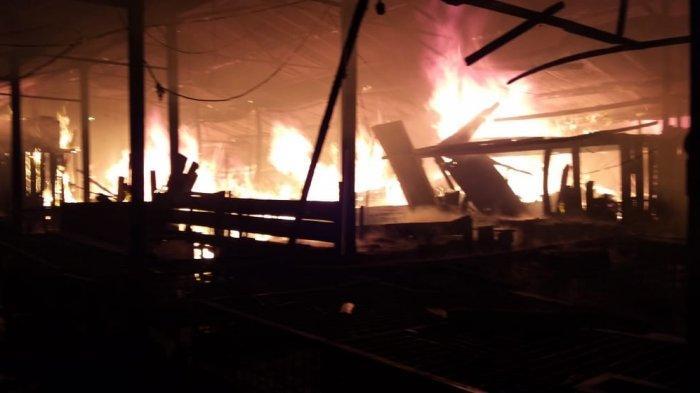 Percikan Api Pertama Kali Dilihat Petugas Ronda yang Patroli di Pasar Bawah Bukittinggi