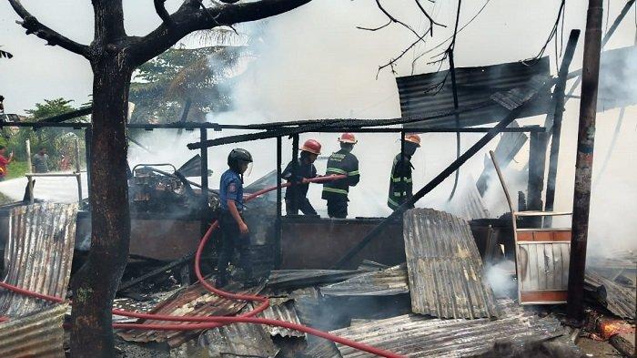 Warung di Parak Karakah Padang Tebakar Sempat Terdengar Ledakan, Pemilik Alami Luka Bakar