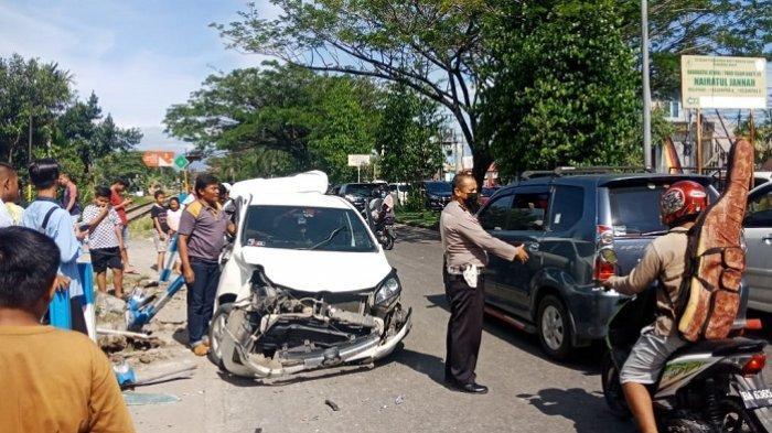 KRONOLOGI Kecelakaan Kereta Api Vs Mobil Agya di Padang, Sopir dan Penumpang Berhasil Keluar