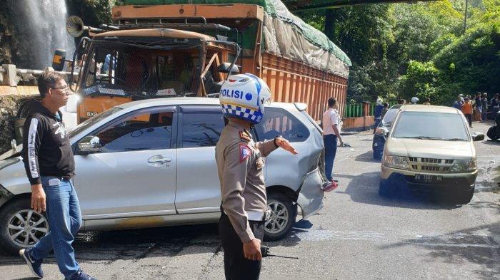 KRONOLOGI Tabrakan Beruntun 9 Mobil di Lembah Anai, Tronton dari Arah Padang Panjang Alami Rem Blong