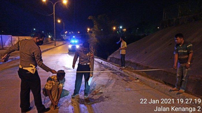 Gagal Dahului Truk dari Sebelah Kiri, Pengendara Sepeda Motor di Padang Tewas Tergilas