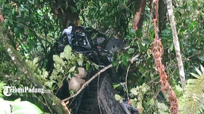 Kecelakaan di Jalan Raya Padang - Solok, Kota Padang, Sumatera Barat, Kamis (15/4/2021).