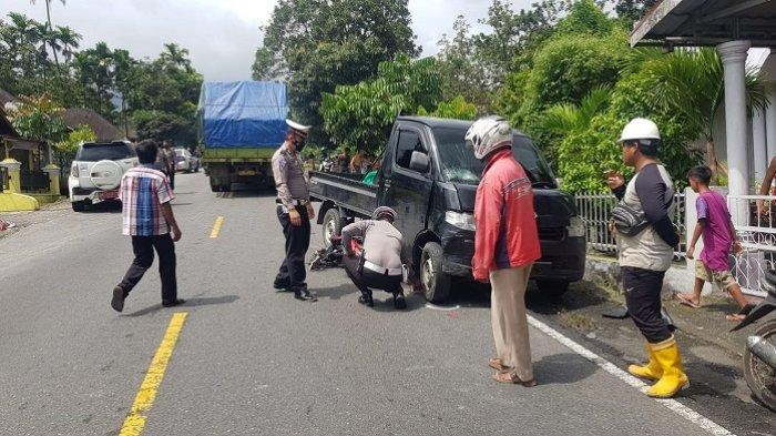 3 Kendaraan Terlibat Kecelakaan di Jalan Padang-Bukittinggi, Pengendara Motor Tewas di Tempat