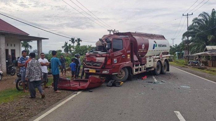 Kronologi Tabrakan Truk Tangki Pertamina Vs Truk Fuso di Pesisir Selatan, Versi Polisi