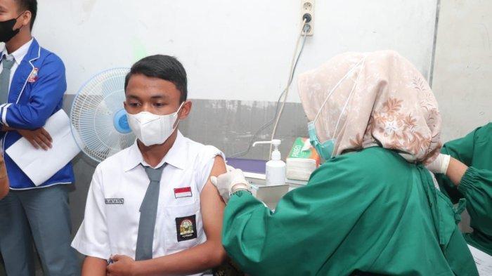Wagub Audy Sebut Capaian Vaksinasi Sumbar Bertambah 10 Ribu Orang/hari namun Mungkin Belum Terinput