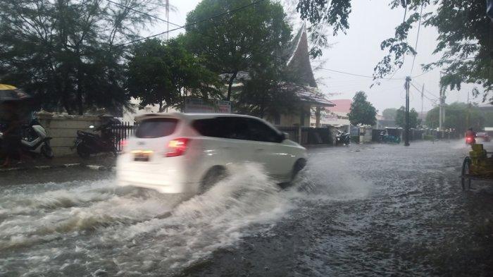 INFO BMKG:CuacaSumbarCerah hingga Berawan, Ada Potensi Hujan Ringan di Pesisir Selatan