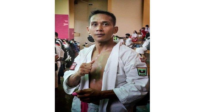 Kenshi Sumbar Ari Parmanto Berhasil Sumbang Medali Emas Kedelapan di PON XX Papua 2021
