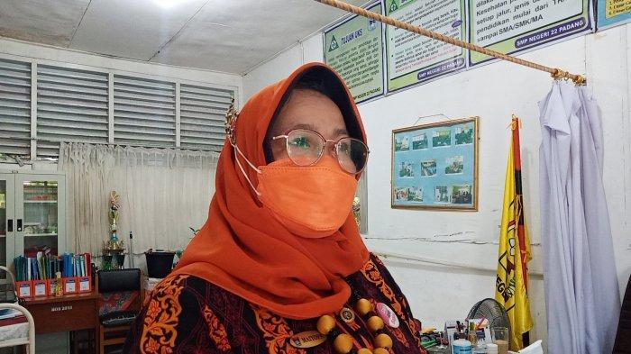 Vaksinasi Covid-19 di SMP 22 Padang, Kepsek Klaim 80 Persen Orang Tua Mengizinkan Anaknya