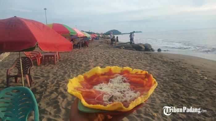 Menikmati Sensasi Unik Rasa Langkitang, Pensi hingga Kerupuk Kuah di Kawasan Pantai Puruih Padang