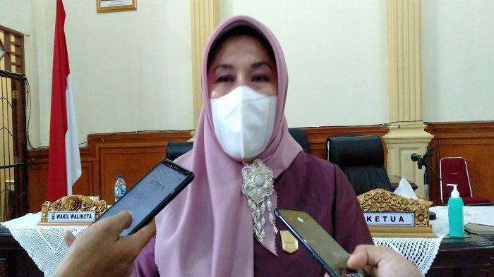 Penurunan PAD Kota Pariaman 10 Persen, Ketua DPRD Fitri Nora: Bisa Dimaklumi Karena Masa Pandemi