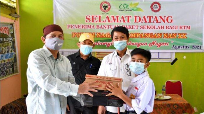 Semen Padang Berikan Bantuan Pendidikan untuk 30 Pelajar di Pampangan