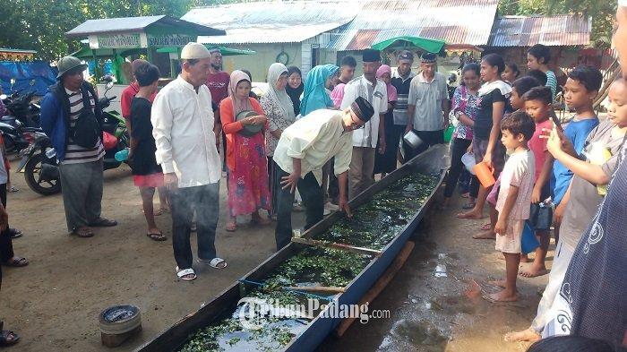 Tradisi Raba'akia sebagai Wujud Rasa Syukur, dan Ajang Bersilaturrahmi di Air Manis Kota Padang