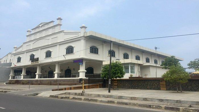 TRIBUNWIKI : Hobi Berenang Tapi Mahal di Hotel ? Ini Rekomendasi Kolam Renang Di Kota Padang