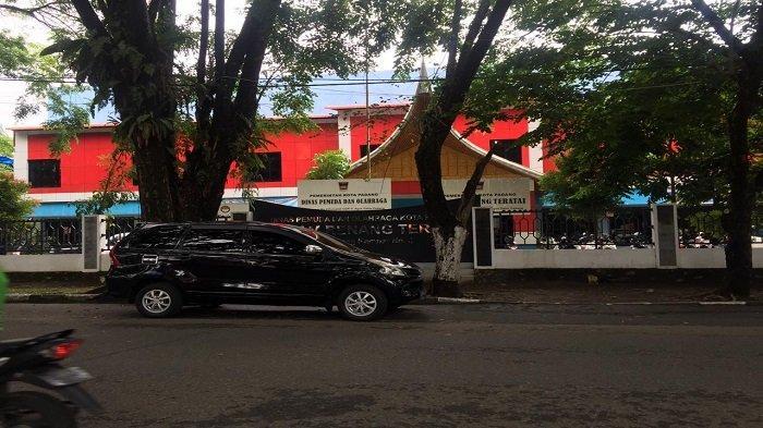 Pengetatan PPKM Mikro di Padang, Kolam Renang Teratai GOR Agus Salim Ditutup Sementara