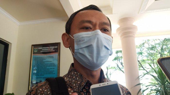 Nova Indra Meninggal Dunia,Komisioner KPU RI Pramono Ubaid Langsung Melayat ke Rumah Duka