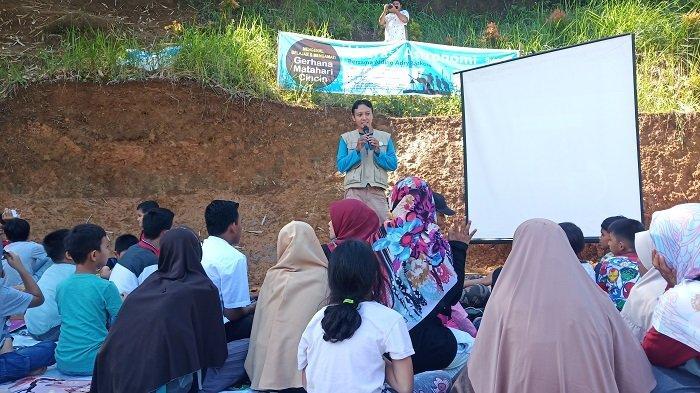 Komunitas Bukit Ase Mengamati Gerhana Matahari Cincin Bersama di Gunung Sariak Kuranji Padang