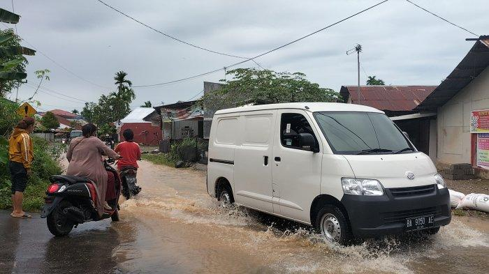 Update Banjir Jalan Kurao Kapalo Banda Kamis Pagi, Air Masih Tergenang Setinggi Betis Orang Dewasa