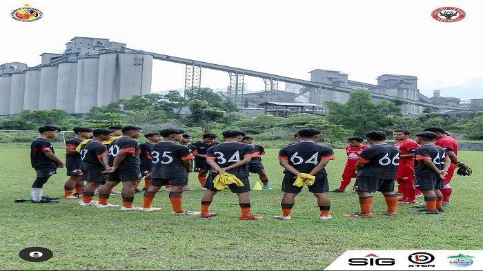 Akademi Semen Padang FC Jalani Latihan, Head Coach Hengki Ardiles Instruksi Tingkatkan Fisik Pemain