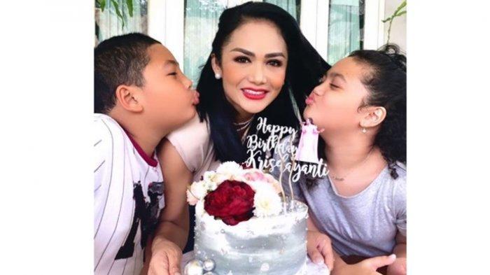 8 Bulan Tidak Bertemu Raul Lemos, Begini Tips Krisdayanti Agar Anak Tidak Rewel