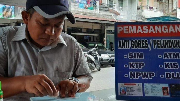 Kepingan Kartu ATM, SIM, NPWP dan KTP Anda Rusak ? Segera Perbaiki kepada Penyedia Jasa Ini
