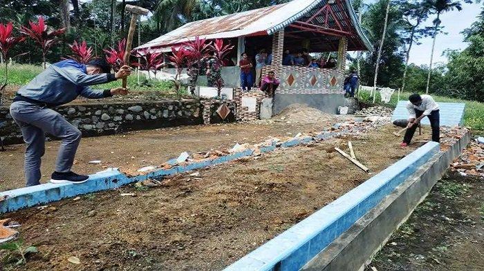 VIRAL Makam Sepanjang 10 Meter di Padang Pariaman Dibongkar, MUI : Pekuburan Panjang Adalah Palsu