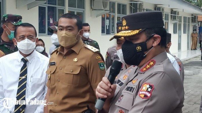 Di Padang, Wakapolri Komjen Gatot Eddy Pramono Temui Pasien Covid-19, Ngobrol Lewat Video Call