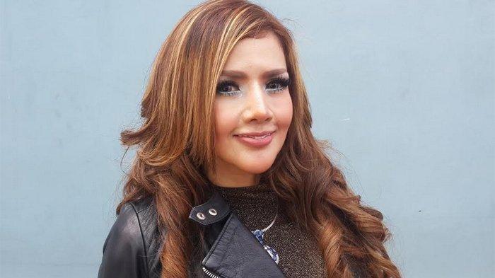 Barbie Kumalasari Susul Seorang Haters di Kawasan SUGBK Jakarta