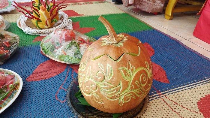 TRIBUNWIKI: Berikut Makanan Ketika Adat Ma Antaan Nasi ke Keluarga Marapulai di Minangkabau