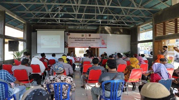Suasana Pendampingan Implementasi Kongsi Covid-19 di Aula Pertemuan Kantor Lurah Mata Air, Kamis (11/6/2020).