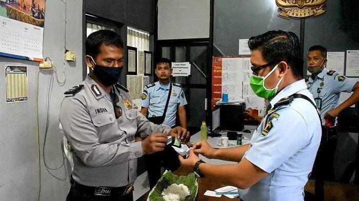 Nasi Bungkus Masuk ke Lapas Kelas A Muaro Padang, Berisi Diduga Barang Bukti Narkoba