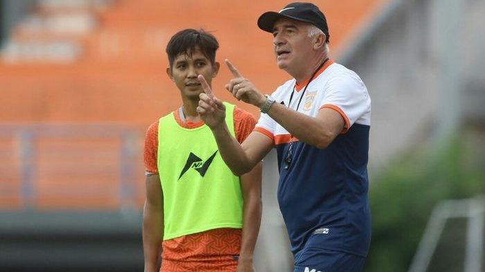 Mario Gomez Singgung Arema FC Seusai Borneo FC Menang Telak di Malang