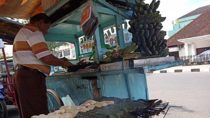 Lompong Sagu KueTradisional Khas Ranah Minang yang Mulai Langka tapi Diburu Pecinta Kuliner