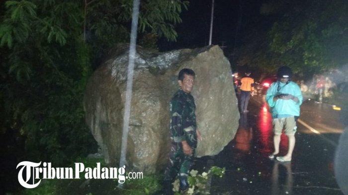 POPULER - Pikap Tertimpa Longsoran Batu di Bukit Lampu  Polresta Padang Siagakan 421 Personel