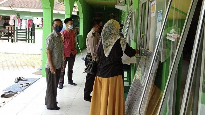 Pelaksanaan Salat Ied, Lurah dan Polisi Sosialisikan ke Masjid dan Musala di Bungus Teluk Kabung