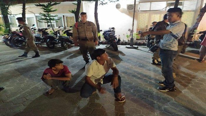 Mabuk-mabukan Tiga Remaja Diamankan Satpol PP Padang, Satu Remaja Perempuan