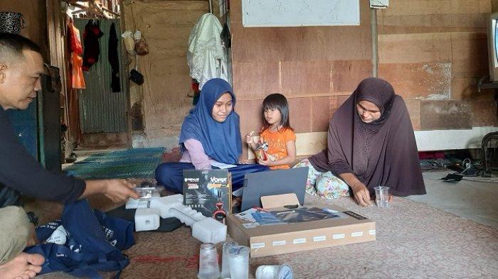 Kesulitan Kuliah Daring, Mahasiswi di Padang Dapat Laptop Gratis dari Rumah Zakat Sumbar