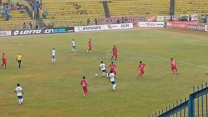 Semen Padang FC Kontra PSIS Semarang Diwarnai 4 Kartu Kuning, Kartu Terakhir Berkah Tuan Rumah