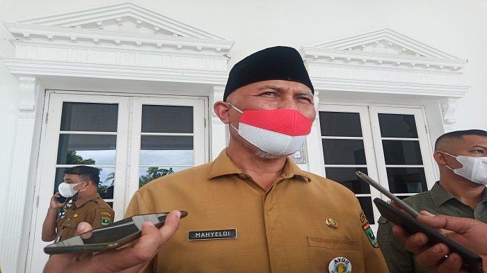 UPDATE Massa Datangi Kantor Gubernur Sumbar, Mahyeldi: Jangan Hanya untuk Jual Barang dari Luar