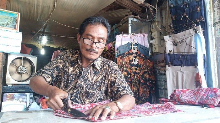 Kisah Penjahit Pakaian di Padang Teater Pasar Raya Padang, Jasa Menjahit Sepi Pesanan