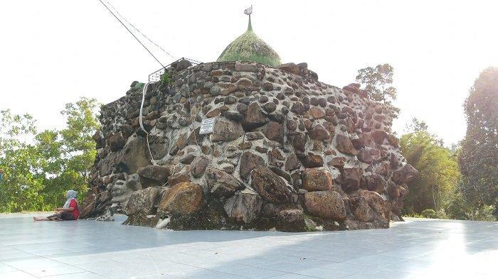 Masjid Batu di Kawasan Universitas Andalas Limau Manis, Jadi Destinasi Wisata Masyarakat Setempat