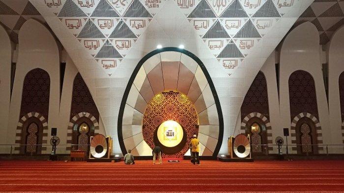 Suasana Malam Takbiran Idul Adha di Masjid Raya Sumbar, Hanya Ada Sekitar 20 Jemaah