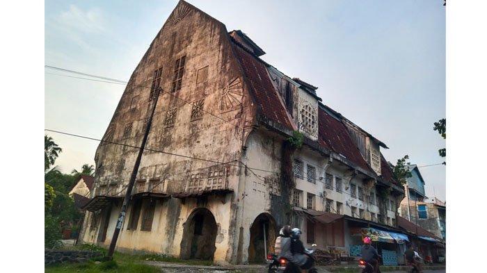Melihat Gedung Geo Whery & Co, Bangunan Bergaya Arsitektur Belanda di Kawasan Kota Tua Padang